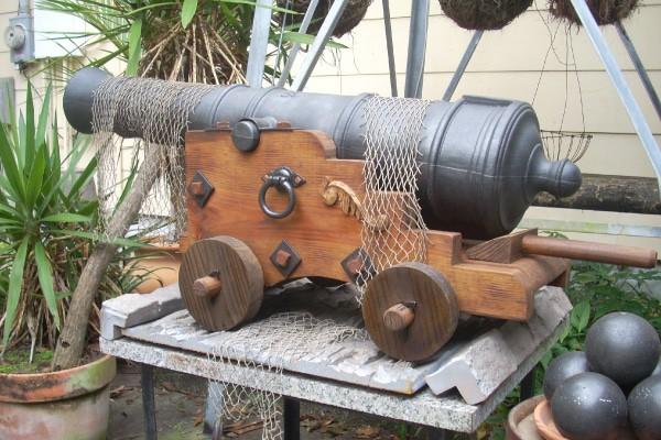 Pirate_Cannon_REPLICA_Garden_ornament_600x400