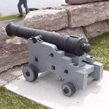 Square-thumb_castle_cannon